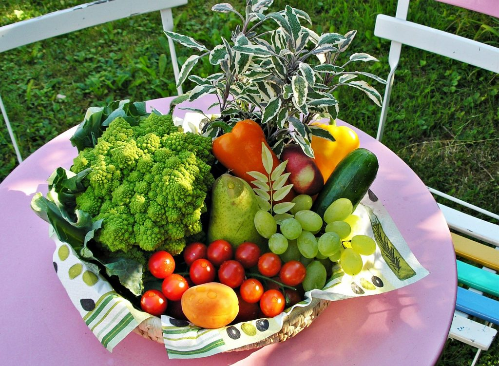fruit vegetables benefit mental physical health