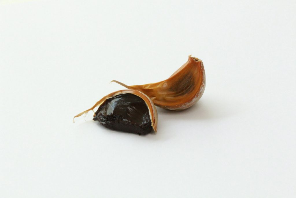 benefit of black garlic